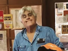 Jay Leno stops into Detroit bookstore before heading to Make-A-Wish event