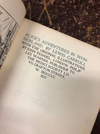 ALICE'S ADVENTURES IN WONDERLAND With the Original Illustrations by John Tenniel